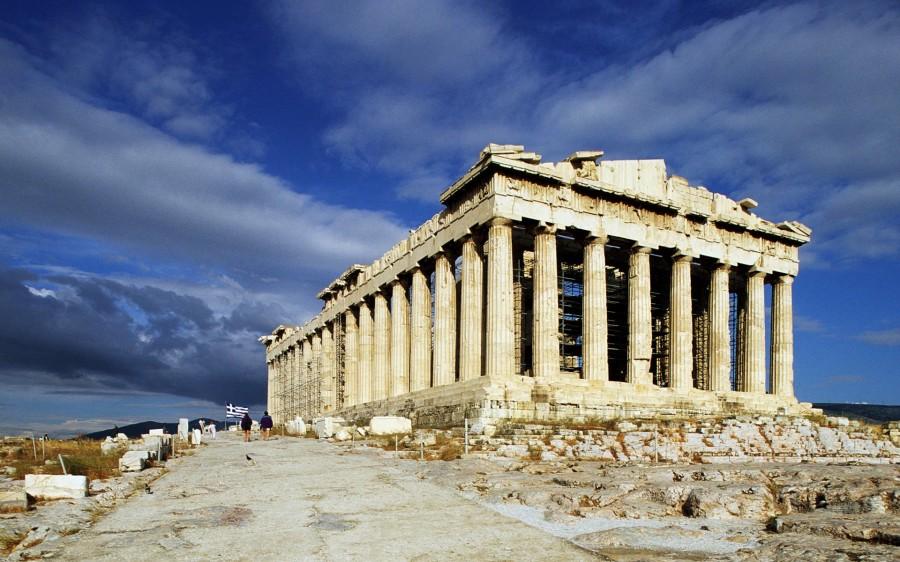 В 5 веке Акрополь начал заново возводиться по замыслам Фидия и Перикла.jpg