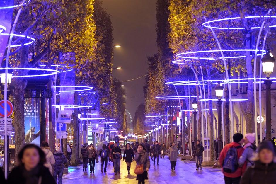 Champs_elyse_es_illumination_de_noel.jpg
